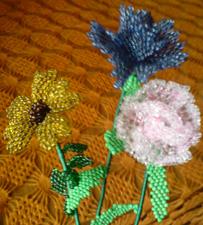 Цветы из бисера мозаикой