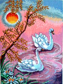 Лебеди на озере , Фламинго , Куропатки