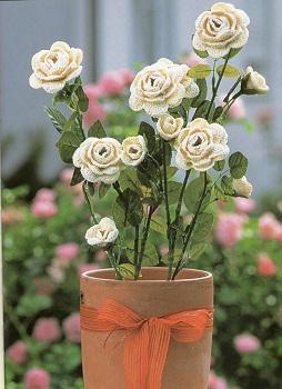 Розы белые крючком
